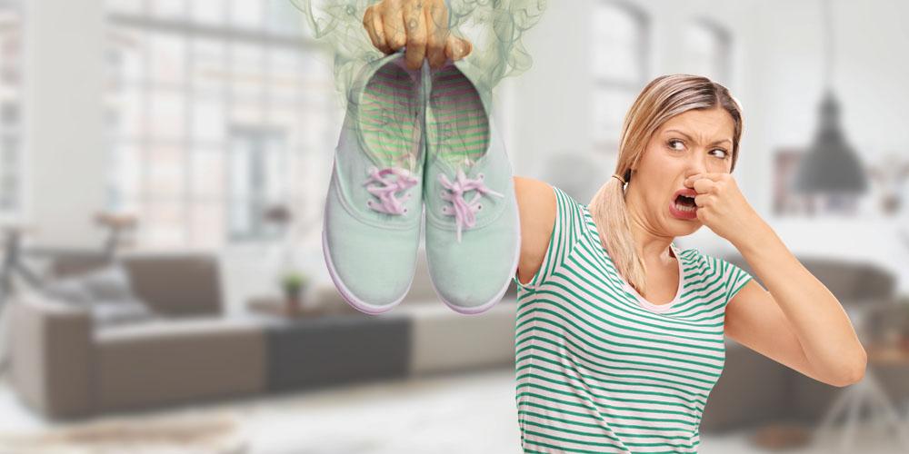 Durch Schweißfüße verursachter Schuhgeruch