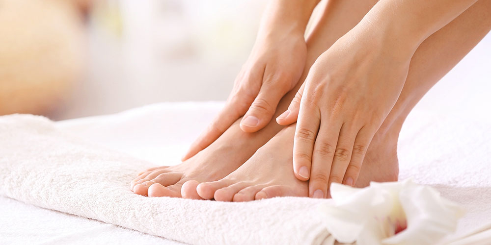 How to treat fungal nail infection + treatment tips